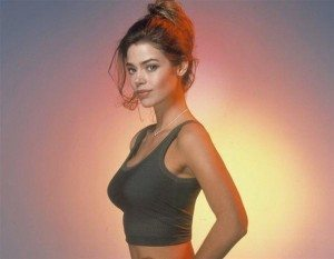 denise-richards-as-christmas-jones